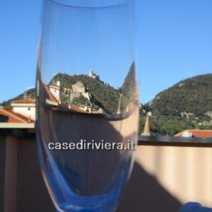 F02_Finale_Ligure_vista_castelli_terrazzo_vendita3